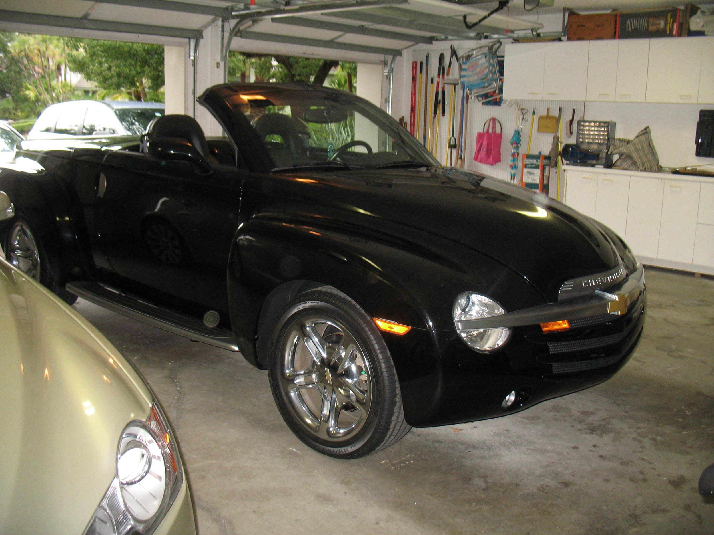 2005 chevrolet ssr low mi black 1gces14h85b120209 1