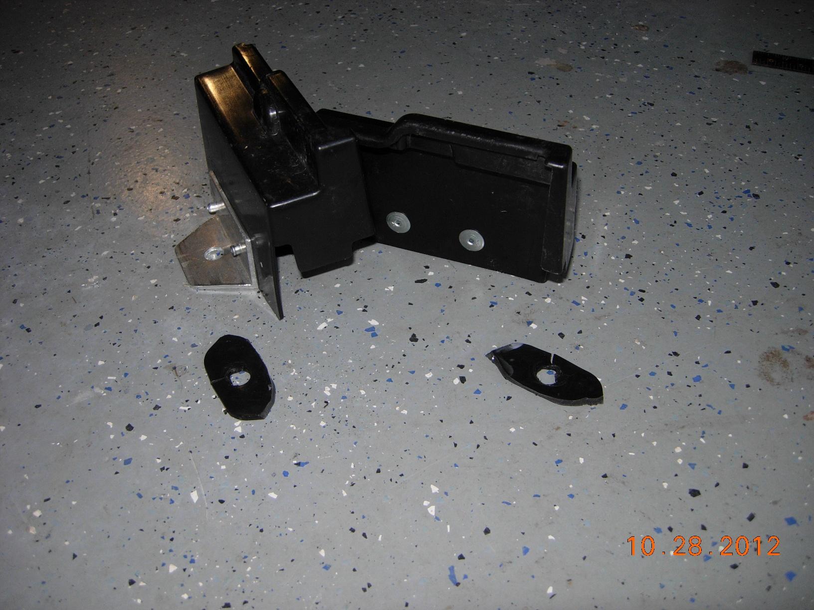 Plastic Tailgate Hinge covers-dscn4345_sml.jpg