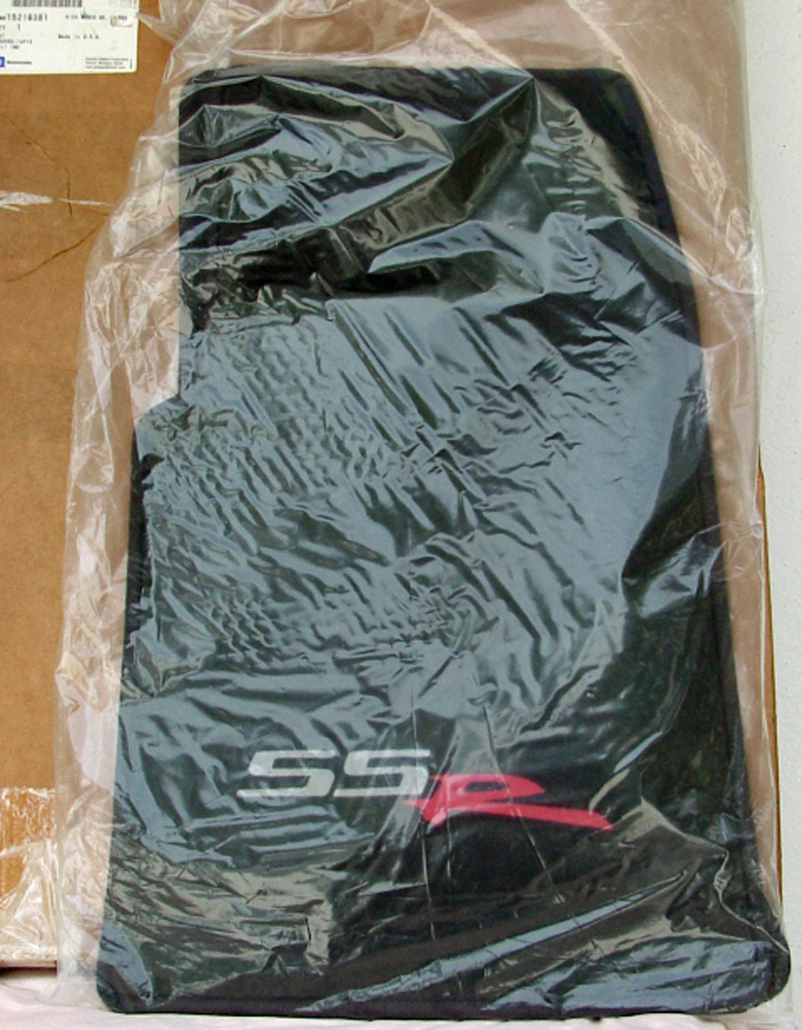 Parts 4 sale - 2005-2006 floor mat set - gm n.o.s. - brand new-fanatics-mats-nos-2.jpg