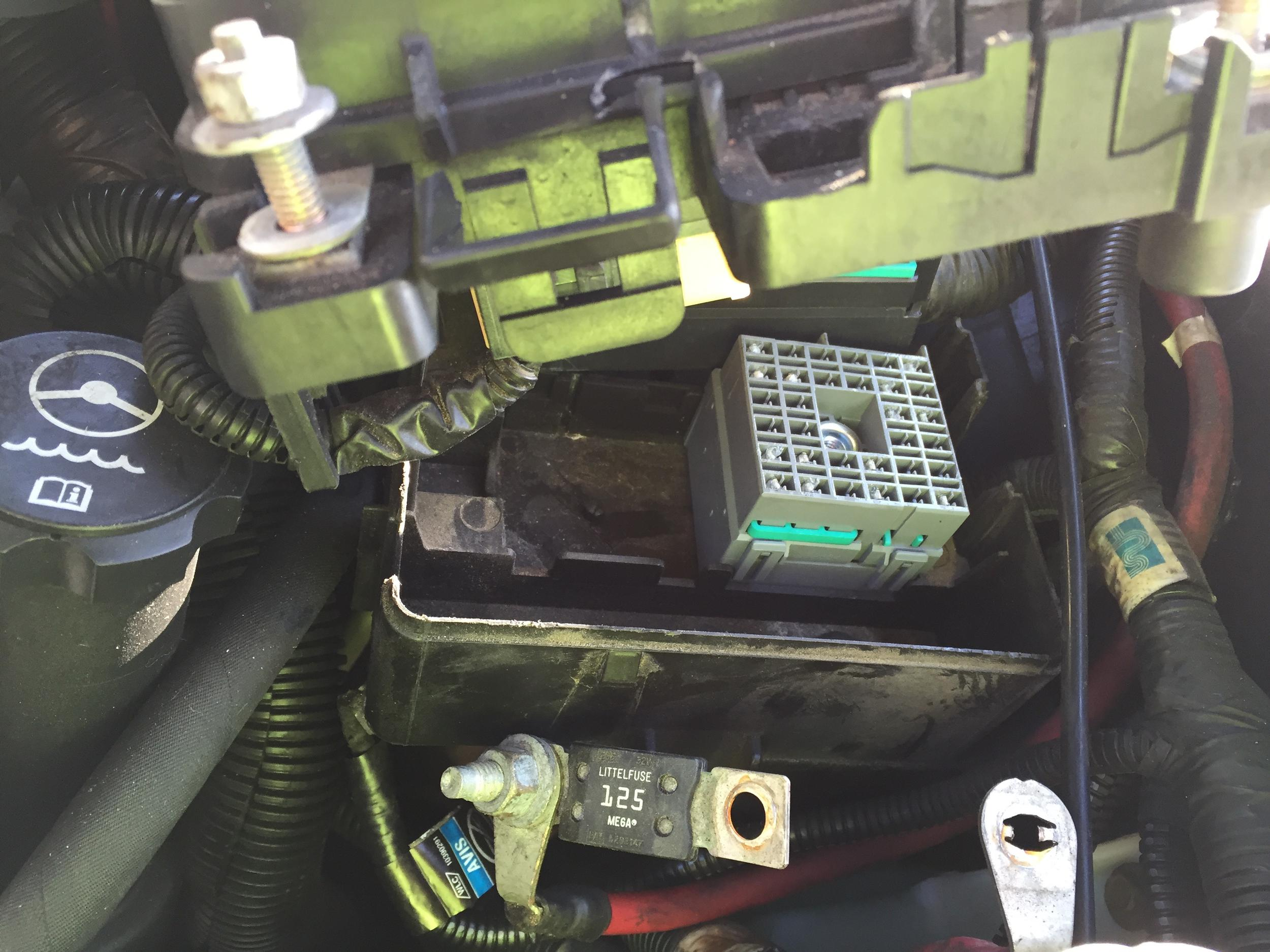 06 R Fuse Box Bad Wire Chevy Ssr Forum Click Image For Larger Version Name Img 4200 1 Views 173