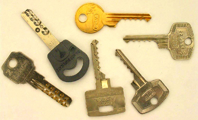 Keys photo thread-keys.jpg