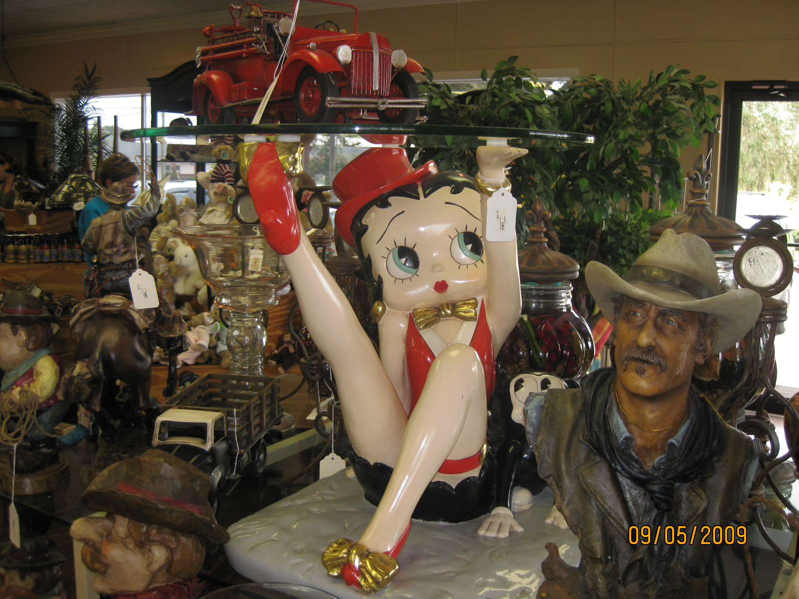Betty boop table chevy ssr forum click image for larger version name picture 001g views 5715 size geotapseo Image collections