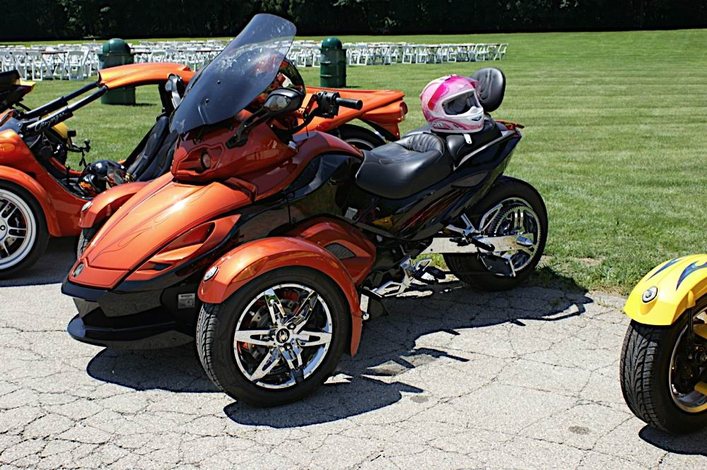 brp can am spyder anyone chevy ssr forum. Black Bedroom Furniture Sets. Home Design Ideas