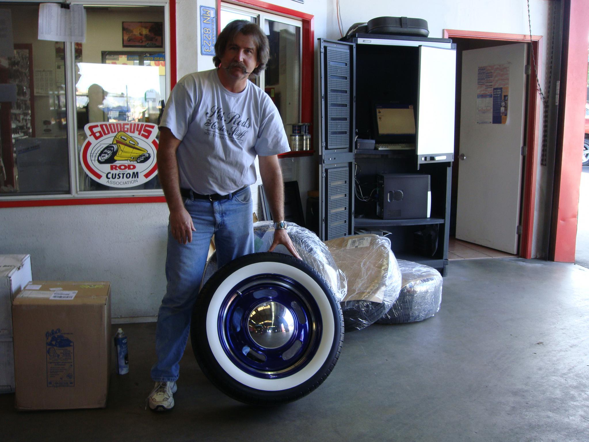 i have the whitewalls and rallye wheels in