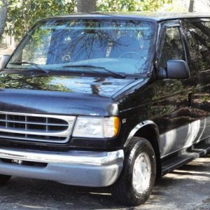 2000 FORD CHATEAU VAN...only 35K miles
